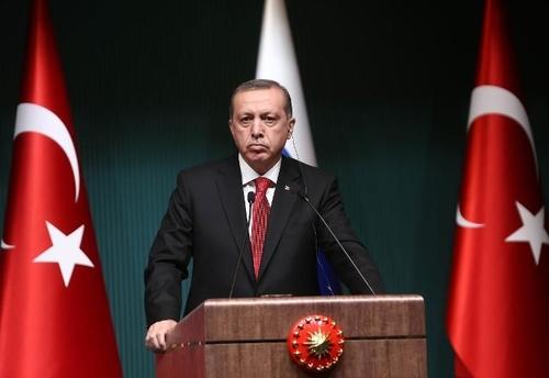 En Turquie, Erdogan compare la contraception à une