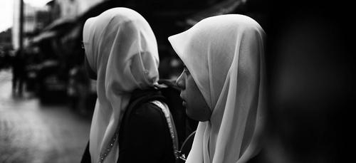 La Journée mondiale des femmes sans voile a du mal à passer auprès des musulmanes