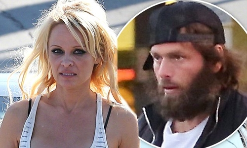 Pamela Anderson starts divorce proceedings, for third time!