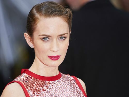 Emily Blunt in talks to play Mary Poppins