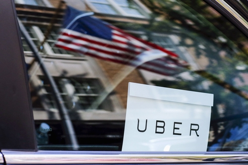 Uber is trying to lure new drivers by offering bank accounts