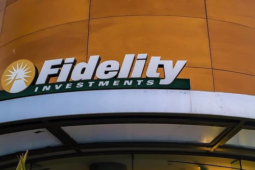 Fidelity, in Reversal, Raises Value of Many Tech Startups