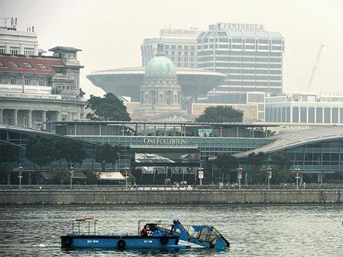 In race to be Asia's fintech hub, Singapore leads Hong Kong