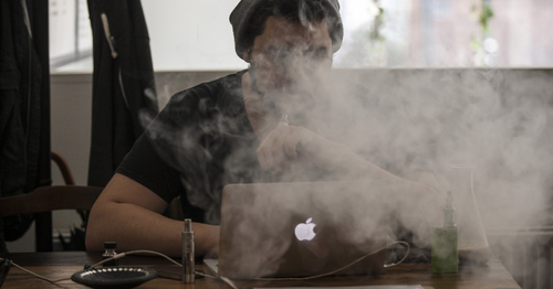 Opposing views on health benefits of e-cigarettes