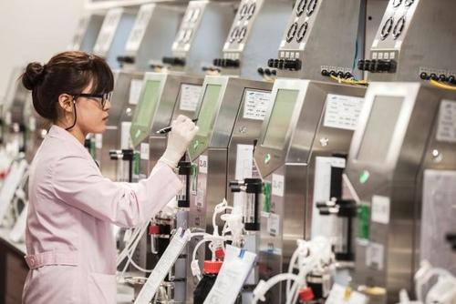Speeding up the biosimilar drug development through scale