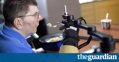 Experimental tech enables paralysed man to feed himself