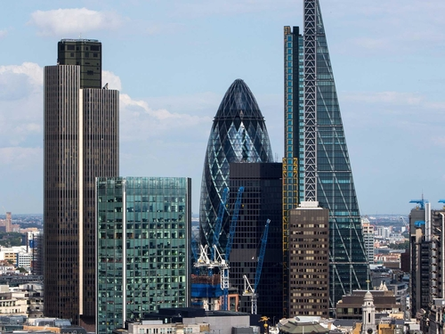 Brexit - 5,000 London regulated financial services firms