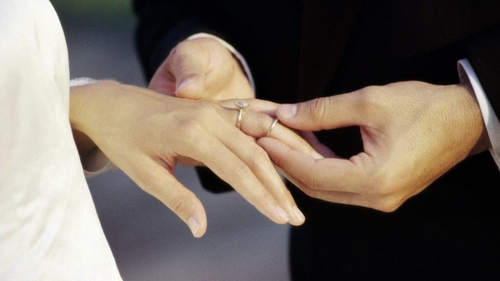 2013-First decline in marriages since 2009