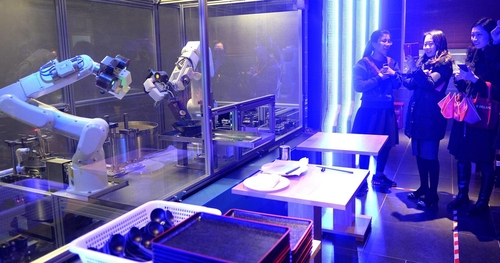 Robots make a meal in 90 seconds