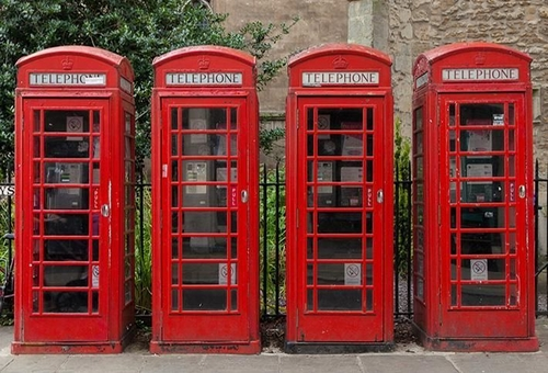 ICONIC RED PHONE BOXES ARE BECOMING A MODERN PLACE TO OFFICE