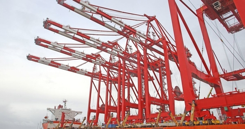 £400m Liverpool2 Opened by Peel Ports