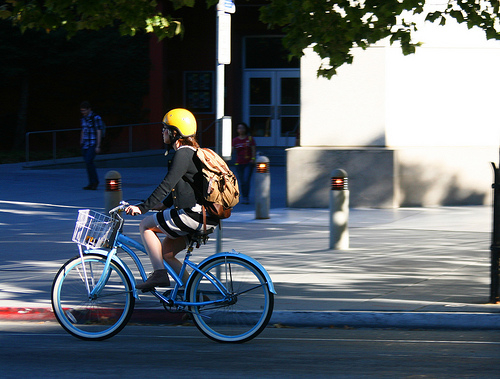Do cycle helmets prevent serious head injuries?