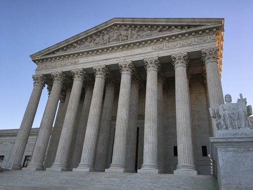 Supreme Court hears Apple v Samsung design case