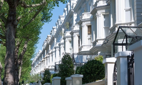 Low house prices in luxury postcodes - Buyers cash in