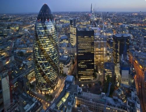 Commercial property values increase marginally in the UK