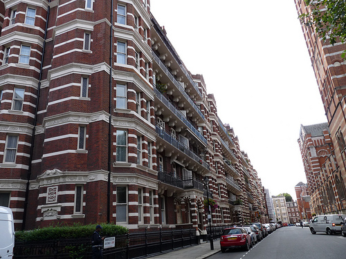 We market your London property to global buyers