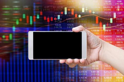 Financial Advisors: 15 Tips To Use Social Media (Compliantly)
