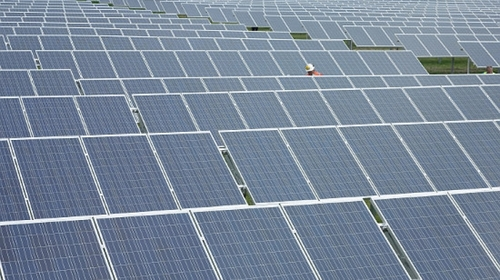 UK solar reaches new electricity peak, meeting almost a quarter of domestic demand
