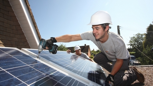 As many as 12,500 UK solar jobs lost in the past year, joint PwC/STA survey finds