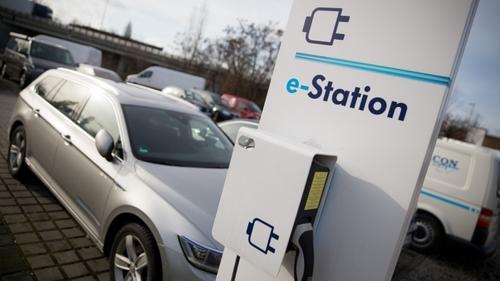 eMobility: Autokonzerne planen gemeinsames Ladesäulen-Netz
