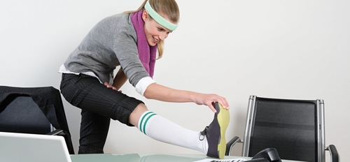 This 7-Minute Desk Workout Will Dramatically Improve Workplace Health