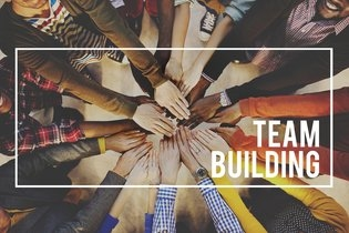 What Small Businesses Need to Know About Team Building for the Global Market