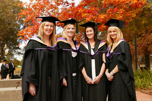 Female Graduates More Likely to be Offered a Grad Scheme Position