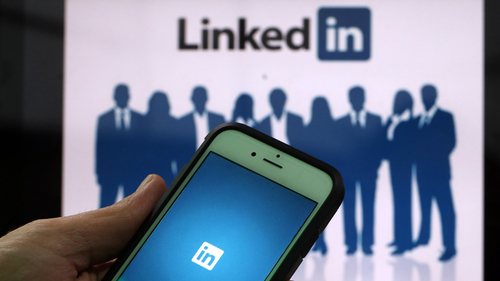 How job recruiters screen you on LinkedIn