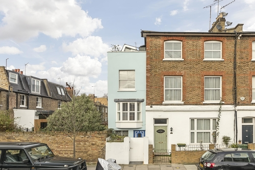 Tall, slim and unconventional - deceptively spacious London property seeks owner