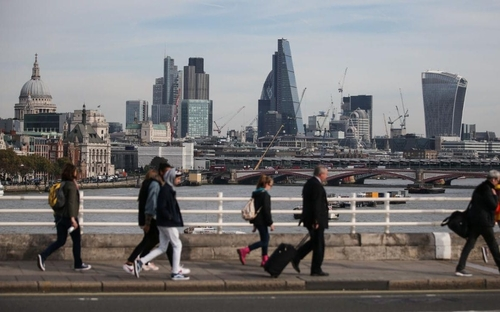 UK Services Sector shakes off Brexit worries