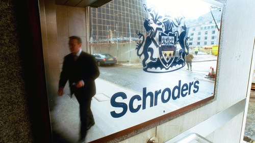 "Was Schroders ""disingenuous"" in its presentation of performance data?"