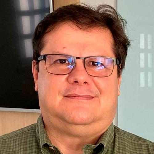 Eduardo Valias, Consultor