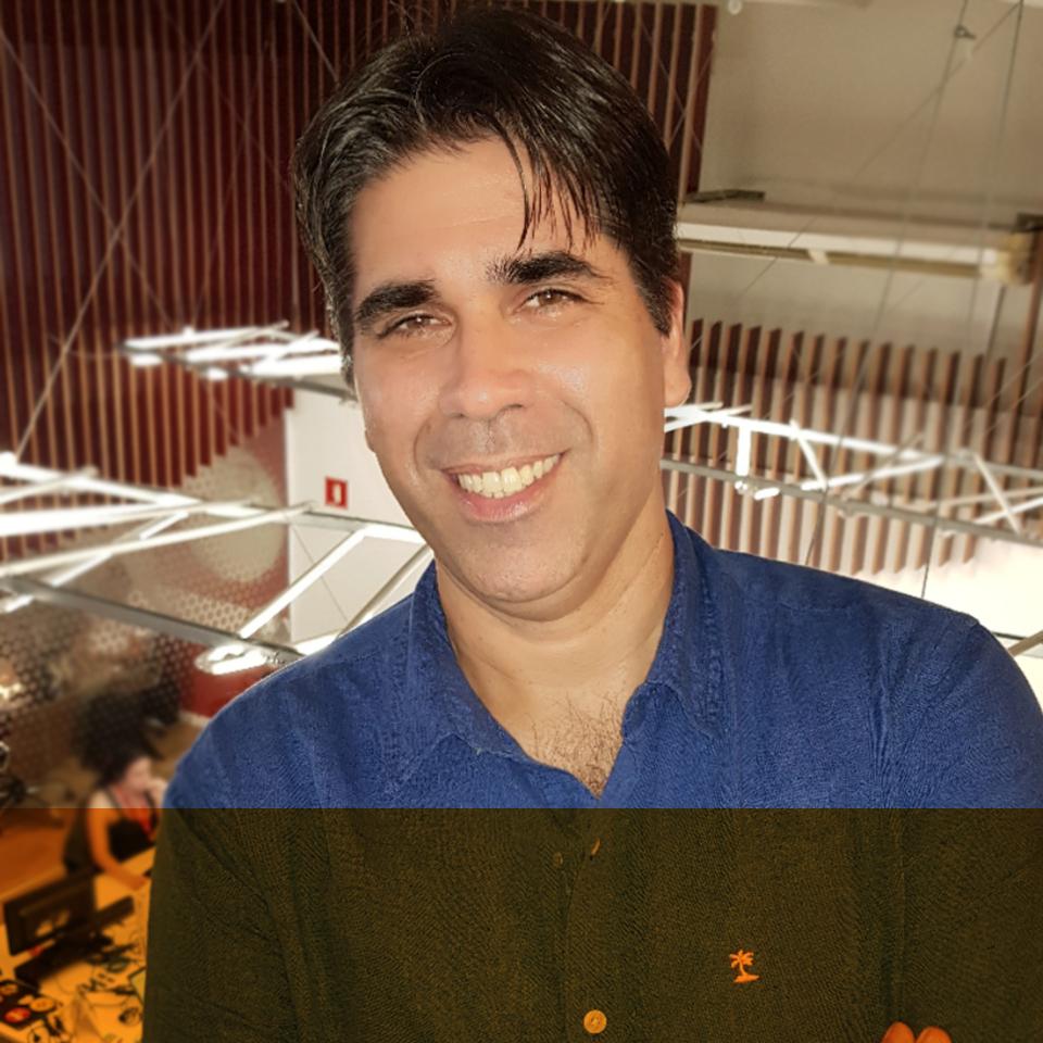 Júlio Cesar Mendes (Moderador)