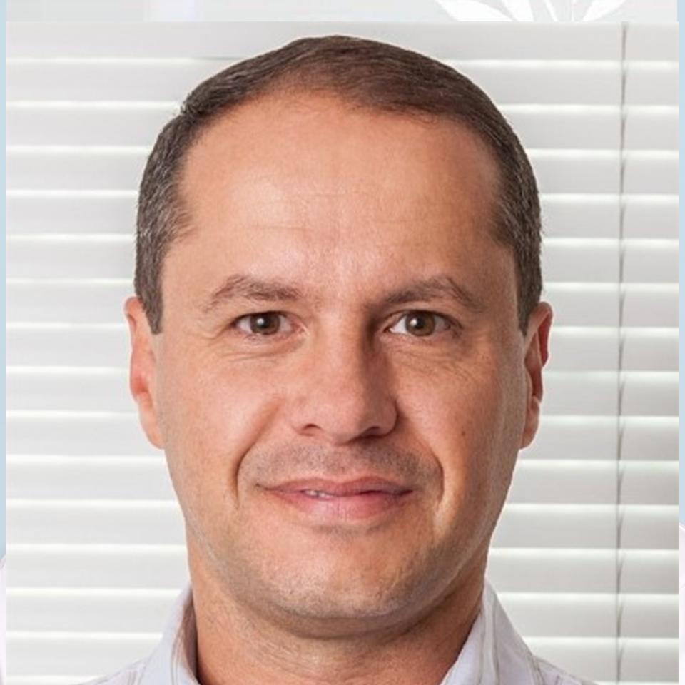 Dr. Frederico Peret