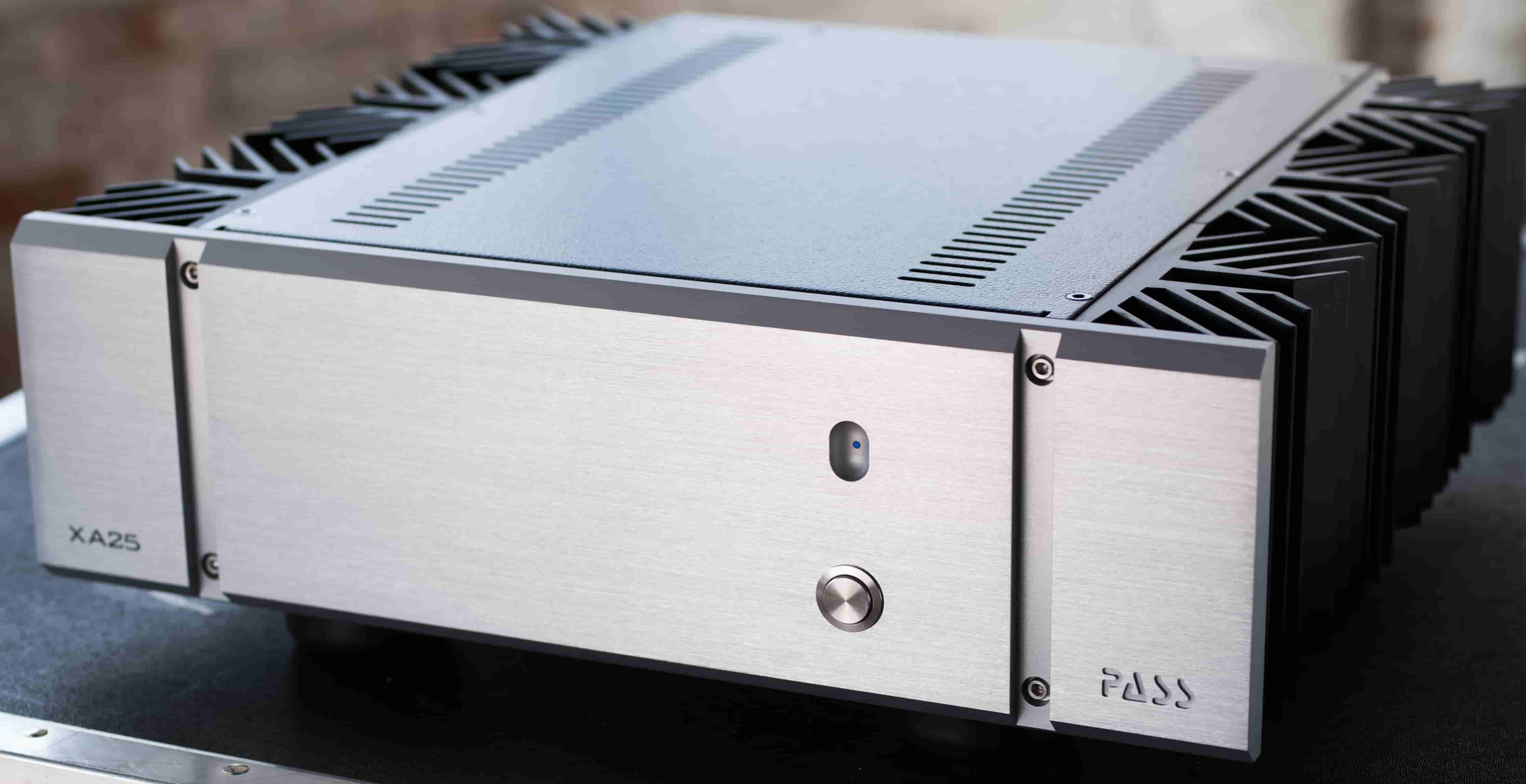 Pass Labs Shipping New Xa25 Class A Power Amplifier Dagogo Designed Symmetrical Audio Preamplifier They Measure Well Sound Great And Are Reliable Twenty Years Of Ongoing Innovation Have Kept The X Xa Amplifiers At Forefront High End