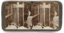 Image of 13146 - Pressing oil from cooked cotton-seed -