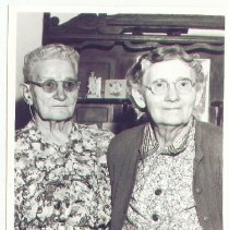 Image of 2009-013.002b4 - Nancy Morris Moore and Jessie Taylor Rutherford, Fall City