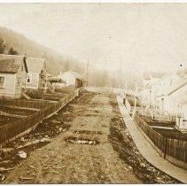 Image of 2010-002.001m - Preston, WA, Mill housing c1917
