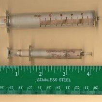 Image of 2013-001.004ED - Syringes, Nelems Hospital