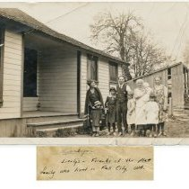 Image of 2013-005.039 - Lierley family, Fall City c1923