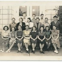Image of 2014-006.004 - Class of 1942, Fall City 1940