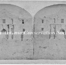 Image of 11.0119RE - Stereograph of the Alamo Facade