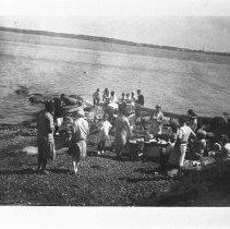 Image of P1971.043 - Carr Family, picnics