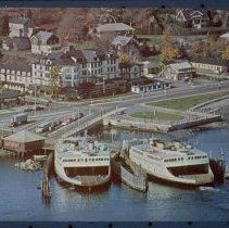 Image of P1982.148 - Ferryboats at East Ferry