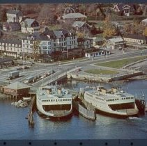 Image of P1969.013 - Ferryboats at East Ferry