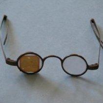 Image of 1920.001.017 - Eyeglasses