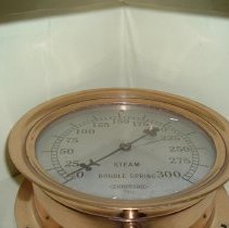 Image of 2014.050.001 - Gauge, Steam Pressure