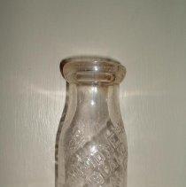 Image of 2006.041.002 - Bottle