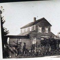 Image of P1921.019 - Narragansett Ave & North Main Rd