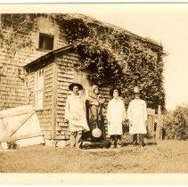 Image of P1982C.025 - Hammond farm house